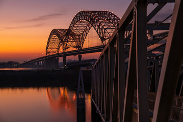 Acrylic Prints Bridges Sunset on the Mississippi River at Memphis bridge