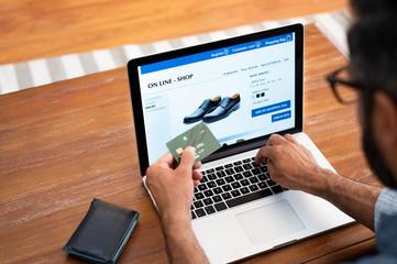 Man doing shopping online
