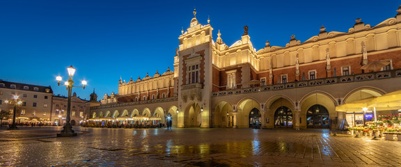 Krakow Cloth Hall by Night (panoramic)