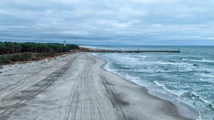 morze plaża drzewa woda