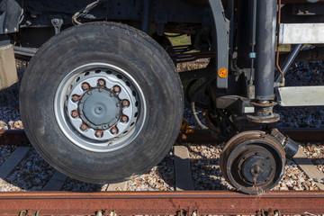 Transporte combinado multimodal por carretera y ferrocarril