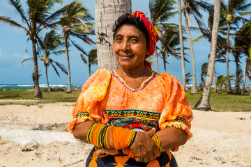 Portrait of traditional dressed Kuna Yala woman