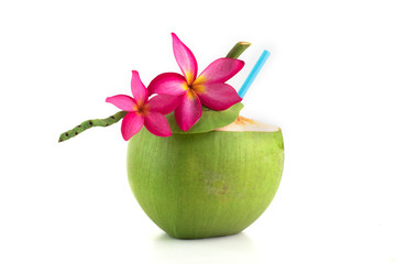 Zelfklevend Fotobehang Frangipani Fresh coconut water in coconut shell