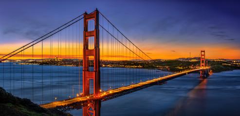 Golden Gate Bridge suring sunrise
