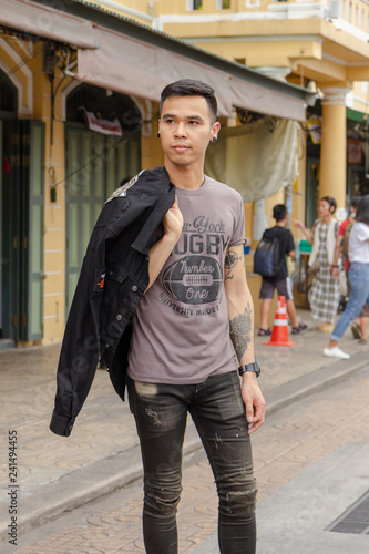 9f4330e7 street, woman, city, people, young, couple, outdoors, urban, walking, love,  fashion, smiling, person, walk, boy, beautiful, business, portrait, family,  ...