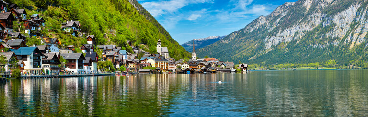 Wall Mural - Panorama of Hallstatt village and Hallstatter See, Austria