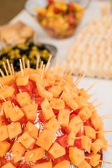 Brochettes de melon et pastèque