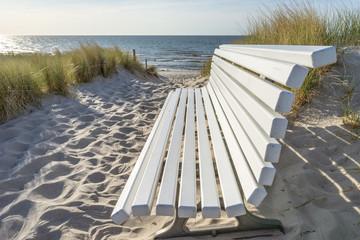 Bank an der Ostsee mit Meerblick