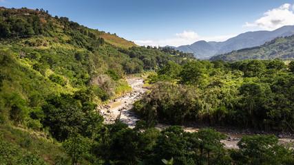 Torrent dans la vallée d'rosi, Costa Rica