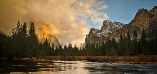 Yosemite Valley, Yosemite National Park, California, USA Fotoväggar