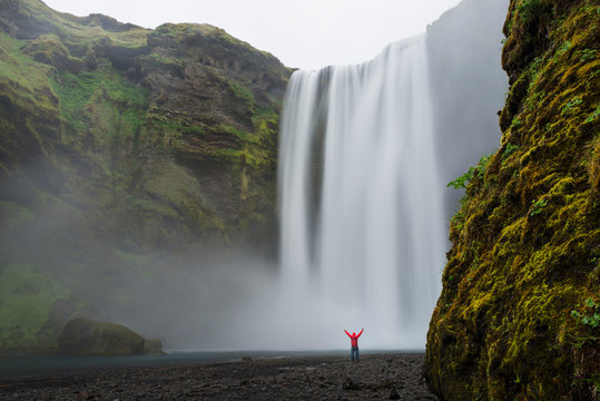 Skogafoss is a waterfall in Southern Iceland just west of the town of Vik.