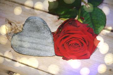 Rote Rosen Blumenstrauss Rosenstrauss Mit Geschenk Zum Valentinstag