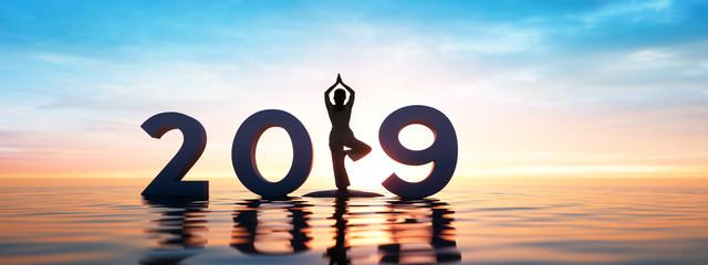 Yoga 2019 Sonnengruß im Sonnenaufgang