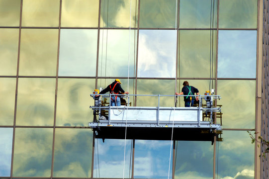 Exterior Window Cleaning on High Rise