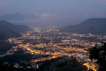 Italien - Kampanien - Stadtlichter im Süden Italiens