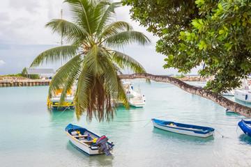 Seychelles, port de la Digue