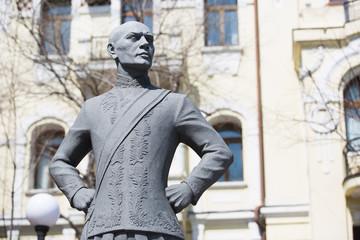 Monument to Yul Brinner in Vladivostok