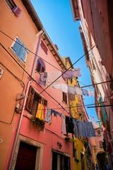 Wäscheleine in der historischen Altstadt von Rovinj in Kroatien
