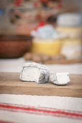 cheese, sliced, crumbly, cow cheese, sheep cheese