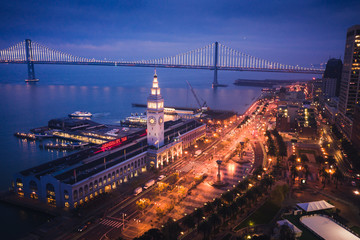 Fototapete - Aerial View of San Francisco Ferry Building at Dusk