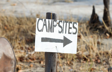 Sign, go right to the campsites