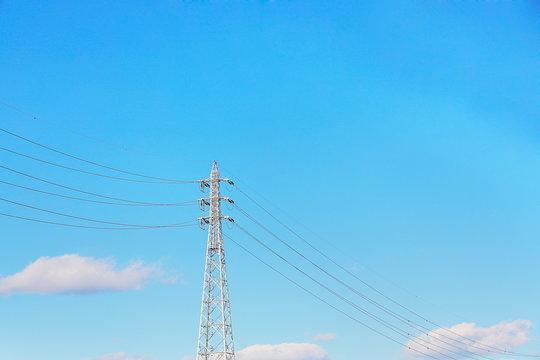 青空と雲と電線