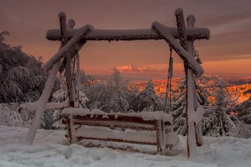 Fototapeta Tatry o wschodzie słońca widoczne z Jaworzyny Krynickiej ,Beskid Sądecki.