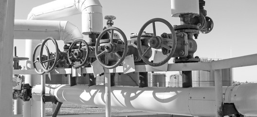pipelines and latches. Oil refinery. Equipment