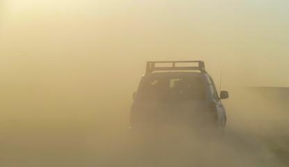Expeditionsfahrt im Sandsturm Sahara Südtunesien