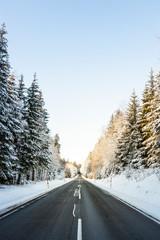 Street in Winterlandscape. Straße in Winterlandschaft.