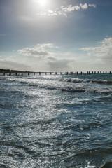 Sonnenreflexion im Meer. Sun reflection on water.
