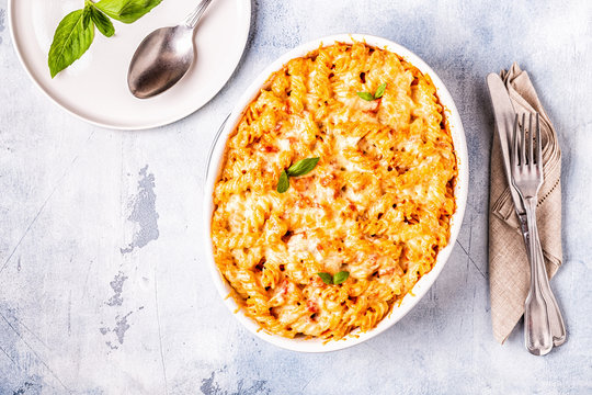 Mac and cheese, pasta baked with cheese sauce.