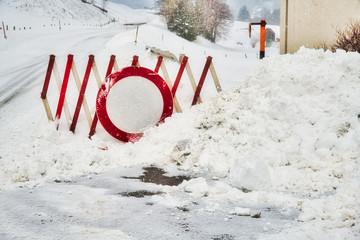 Straßensperre Schneechaos