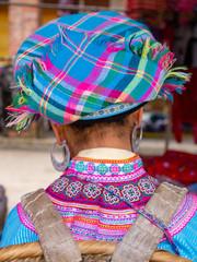 Frau auf einem Markt in Yunnan in China
