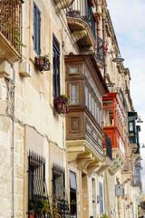 Historische Altstadt von Vittoriosa - typische Holzbalkon