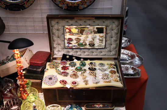 An old suitcase with a mirror, it has a beautiful vintage jewelry