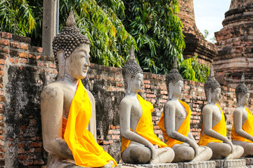 Foto op Plexiglas Asia land Buddha Statue in Wat Yai Chaimongkol Temple , Ayutthaya , Thailand.