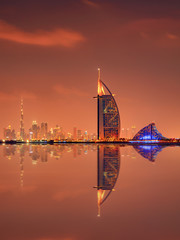 Keuken foto achterwand Dubai Beautiful skyline of Dubai city at night in United Arab Emirates