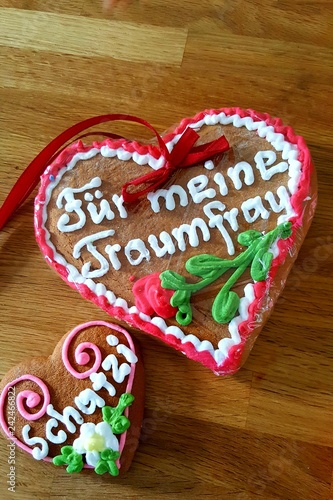 Typical German Gingerbread Hearts For All Year Round Translation