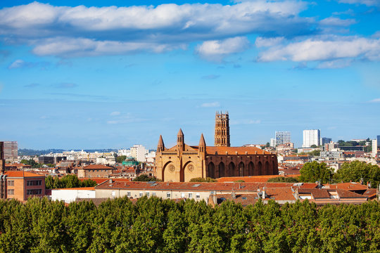 Cityscape of Toulouse with the Jacobins Convent