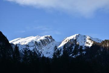 See, Pragser Wildsee, Zugefroren, Eisdecke, Pragser Tal, Südtirol, Pustertal, Italien, Wasserfall, Hotel, Hotel Pragser Wildsee, Winter, Schnee, Eis, See, zugefroren