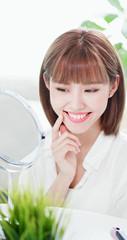 Beauty woman look mirror
