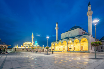 Wall Mural - View of Selimiye Mosque and Mevlana Museum at night in Konya, Turkey