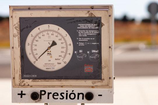 compresseur voiture de station essence, gas station car compressor