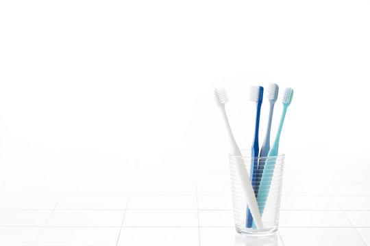 歯ブラシ バスルームイメージ Toothbrush and bathroom tile