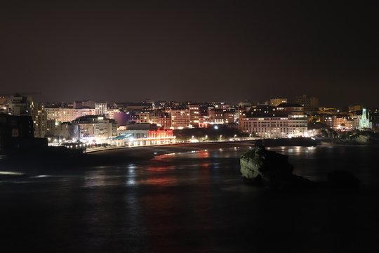 Ville de Biarritz de nuit