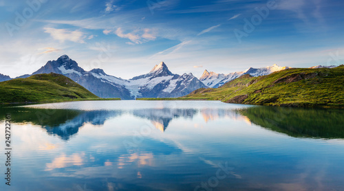 壁紙(ウォールミューラル) Great view of the snow rocky massif. Location Bachalpsee in Swiss alps, Grindelwald valley.