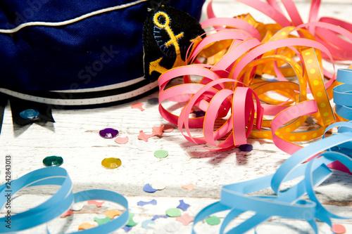 Fasching Karnevall Luftschlangen Konfetti Matrosenmutze Mutze
