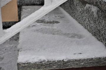 Winter - Gehweg - Schnee - Straße