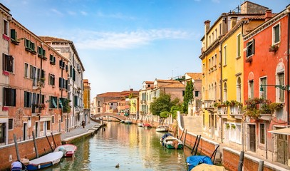 Foto auf Gartenposter Stadt am Wasser Italy beauty, one of typical canal street in Venice, Venezia